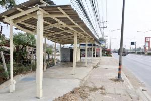 เช่าพื้นที่ขายของนครปฐม พุทธมณฑล ศาลายา : พื้นที่ให้เช่า หน้าติดถนนใหญ่ 12 เมตร นครชัยศรีพร้อมห้องเก็บของ
