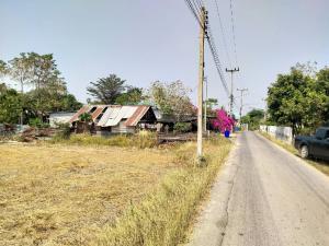 ขายที่ดินราชบุรี : ขายที่ดิน 1 ไร่ 1 งาน ติดลาดยาง วิวเขา อ.โพธาราม จ.ราชบุรี ไฟฟ้าประปาพร้อมเหมาะสำหรับปลูกสร้างบ้านหรือทำเกษตร