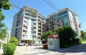 For RentCondoRatchadapisek, Huaikwang, Suttisan : Line ID: @lovebkk (with @ too) The Kris Ratchada 17, ready to move in, 38 sqm, starting price 9500 baht.