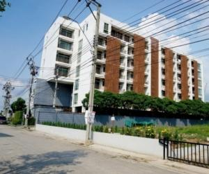 For RentCondoChengwatana, Muangthong : The Forest Chaengwattana, ready to move in, 35 sqm, starting price 11000 baht, interested in details. Add Line now. Line ID: @good1234 (with @ too) There are plenty of rooms. You can talk to us.