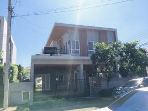 For SaleHouseRamkhamhaeng,Min Buri, Romklao : Model house (1 hand), Pool Villa style, corner plot, special discount price, Parkway A-liv project, next to the Orange Line train