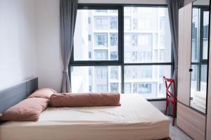เช่าคอนโดพระราม 9 เพชรบุรีตัดใหม่ : New > Ideo Mobi Rama 9 ,Fully furnished.