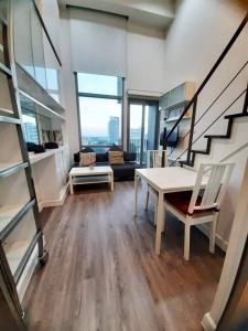 For RentCondoSathorn, Narathiwat : For rent, The Address Sathorn, 7th floor, corner room, 2 bedrooms, wide area