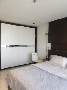 For RentCondoNana, North Nana,Sukhumvit13, Soi Nana : Rent! Sukhumvit Suite 13 size 40 sqm. price 10,000 Baht Fully Furnished