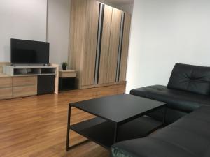 For SaleCondoThaphra, Wutthakat : Sale 1.9m / rent 8,500 Regent Orchid Talat Phlu corner room 32 sqm Tel.0803008065 k. Ton