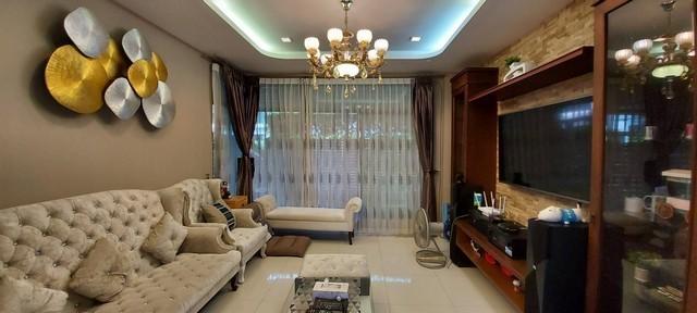 For RentHouseNawamin, Ramindra : House for rent 2 floors Manthana Village, Lake Watcharaphon, Sukhaphiban Road, 5 behind the corner