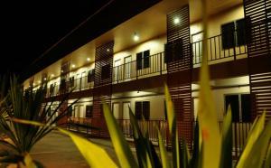 ขายขายเซ้งกิจการ (โรงแรม หอพัก อพาร์ตเมนต์)ลำปาง : ขายด่วน หอพักอินเตอร์โซนหน้าธรรมศาสตร์ลำปาง 75 ห้อง พร้อม บ้านพักอาศัยกว่า 600 ตร.ม.