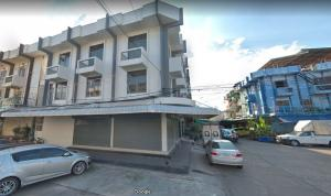 For RentShophouseKasetsart, Ratchayothin : For rent, commercial building, 2 booths Suitable for doing office in Senanikom area, 6 bedrooms, 5 bathrooms, 3 floors