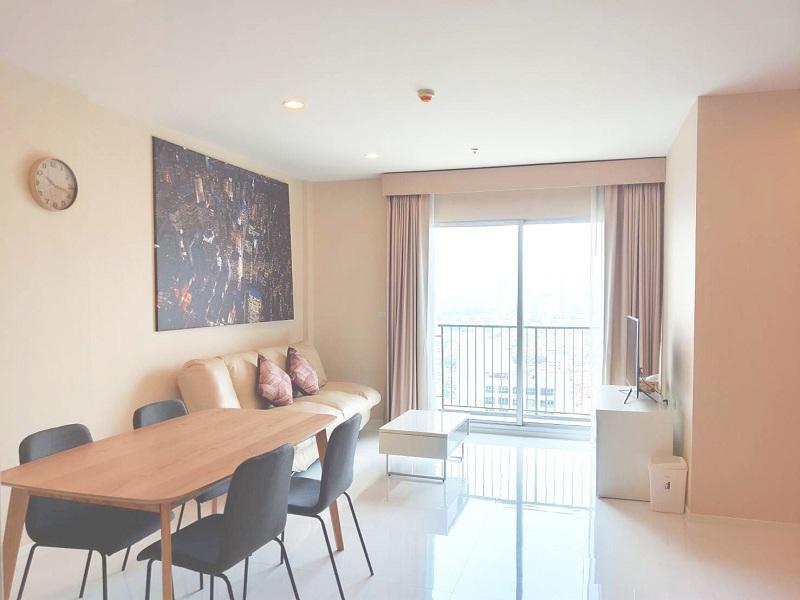 For RentCondoWongwianyai, Charoennakor : Hive Taksin fully furnished + River view (near BTS Wongwian Yai, Wongwian Yai Market, International Pioneers School)