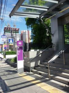 For SaleCondoRattanathibet, Sanambinna : 🔥 Quick sale at loss To relieve the burden 🔥 High yields Yield more than 5% MRT Bang Kraso Condo Lumpini Park Rattanathibet-Ngamwongwan, Nonthaburi, the cheapest