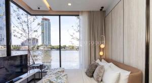 For SaleCondoWongwianyai, Charoennakor : Condo for sale Chapter Charoennakhon- Riverside Size 151.6 Sq.m 3 bed 3 bath only 31.34 MB !!!!