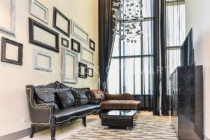 ขายคอนโดสุขุมวิท อโศก ทองหล่อ : ขายคอนโด The Emporio Place  ขนาด 73 Sq.m 1 bed 1 bath Duplex ราคาเพียง 16.5 MB /Rent 60000