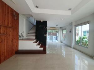 For RentTownhouseLadprao 48, Chokchai 4, Ladprao 71 : Baan Klang Muang Urbanion Ladprao - Chokchai 4 Wang Hin 27,000