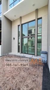 For SaleTownhousePattanakan, Srinakarin : Urgent sale, townhome / home office, Modern 3.5 floors, 1 hand, Pattanakarn - On Nut, new house, convenient transportation, near BTS On Nut TD11-20.