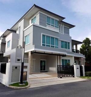 For RentHousePattanakan, Srinakarin : Rental : Luxury House with Full Furnisher in Krunthep Kreta - Rama 9 , 3 Floors , 5 Bed 7 Bath , 441 Sqm , 105 sqw , 4 Parking lot