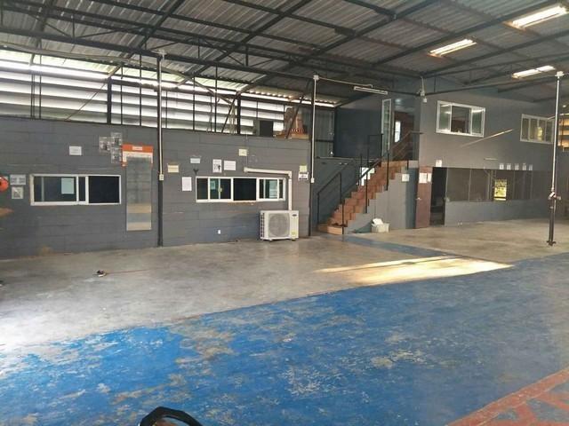 For RentWarehouseRamkhamhaeng Nida, Seri Thai : Warehouse for rent, Serithai area, area 400 sqm, near the 3-phase electric motorway