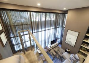 ขายดาวน์คอนโดเกษตรศาสตร์ รัชโยธิน : ขายคอนโด Knightsbridge Space Ratchayothin ขนาด  63 Sq.m Loft style 2 bed 2 bath ราคาเพียง 12.65 mb!!!!!
