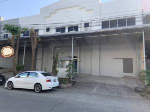 For RentFactorySamrong, Samut Prakan : Factory and warehouse for rent 700 sq m., Thepharak area, Thepharak Road
