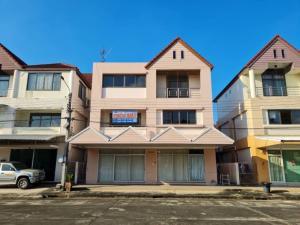 For SaleShophouseNawamin, Ramindra : ‼ ️ Urgent sale, 3-storey commercial building, Panya Lake Home Village, Nimitmai Rd. (Panya Lake Home) 5.5 million baht‼ ️