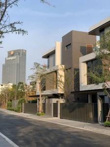 For RentHouseRama3 (Riverside),Satupadit : For rent, a luxury 3-storey house, Luxury Baan 365, Rama 3 area, easy access to Silom, Sathorn, Sukhumvit.