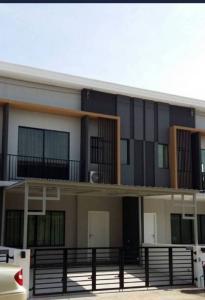 เช่าทาวน์เฮ้าส์/ทาวน์โฮมพัฒนาการ ศรีนครินทร์ : หมู่บ้านเดอะคอนเนกพัฒนาการ 44 3ห้องนอน 2ห้องน้ำ พร้อมเฟอร์นิเจอร์บิ้วอินและเครื่องใช้ไฟฟ้า