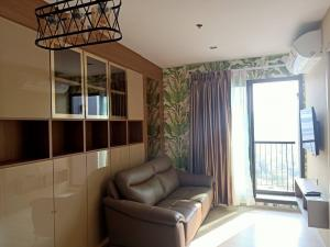For RentCondoWitthayu,Ploenchit  ,Langsuan : M3269-Condo for rent, Life One Wireless, near Central Embassy and BTS Ploenchit, corner room. There is a washing machine, fully furnished,  ready to move in.