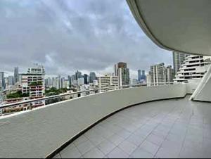 เช่าคอนโดสุขุมวิท อโศก ทองหล่อ : Supalai Place Sukhumvit 39 for rent and Sale 166 sqm 2 bedrooms 2 bathrooms large balcony high floor near BTS Phromphong