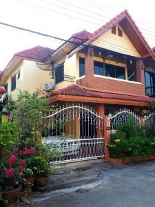 ขายบ้านเอกชัย บางบอน : บ้านเดี่ยวขาย/เช่าในราคาถูก!  เช่า 15,000/เดือน หลังตลาดดวงดารา ใกล้กับ รร.กรพิทักษ์ศึกษา ติดต่อ คุณพร: 089-4430719