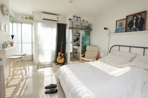 For RentCondoRatchadapisek, Huaikwang, Suttisan : 📍LINE ID: @twproperty 🌟 Rent The Urbano Ratchadapisek 19 🌟 Fully furnished. The cheapest price !!!!