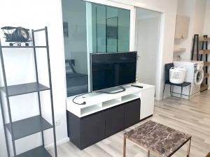 For RentCondoThaphra, Wutthakat : The Key Sathorn-Ratchapruek Beautifully decorated room, fully furnished, with the CPC. 32 sq m. Only 9000 baht / month, near BTS Wutthakat, ready to move in.