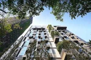 """For SaleCondoSukhumvit, Asoke, Thonglor : Buying a shady in the middle of the city, answer all lifestyle needs of """"Ashton morph38"""" 2B 70sq.m."""