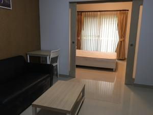 For RentCondoWongwianyai, Charoennakor : Good price, good for you(GBL0685) Room For Rent Project name : The seed Sathorn