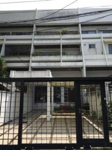 For RentTownhouseSukhumvit, Asoke, Thonglor : HR635 Townhouse for rent, 3 floors, area 47 sq m. Soi Sukhumvit 34, suitable for home office.