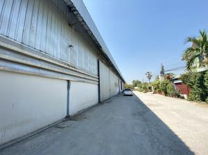 For RentWarehouseChengwatana, Muangthong : Warehouse for rent 180 sq m. Tiwanon-Pak Kret. Near Muang Thong Thani