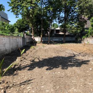 For RentLandSukhumvit, Asoke, Thonglor : land for rent Next to Sukhumvit 40 Road, near BTS Thonglor, bargain price 99,000 only!