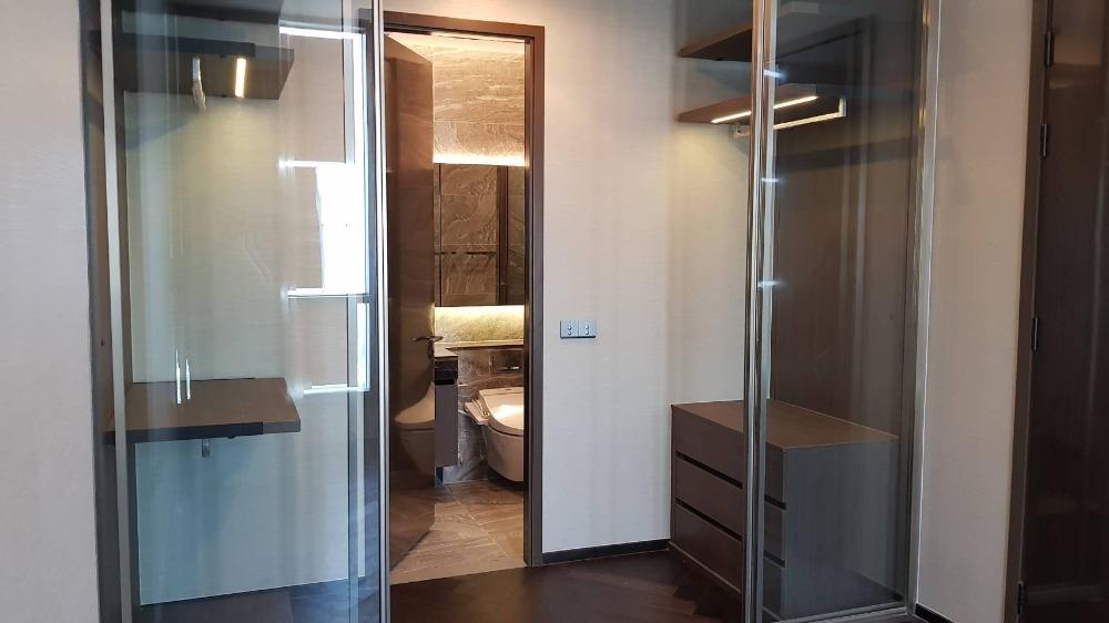 For SaleCondoSukhumvit, Asoke, Thonglor : 2733-A😍 For SELL 1 bedroom for sale 🚄 near BTS Thonglor 🏢 The Esse Sukhumvit 36 The Esse Sukhumvit 36 Area: 43.25 sq m. Sale: 15,100,000.- Baht 📞099-5919653✅LineID: @sureresidence