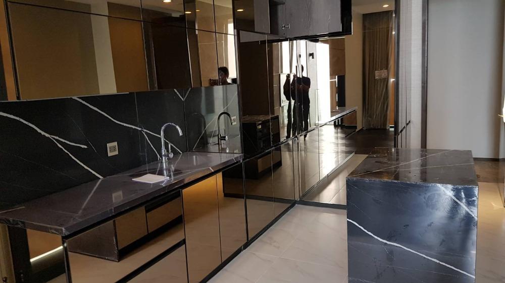 For SaleCondoSukhumvit, Asoke, Thonglor : 2734-A😍 For SELL 1 bedroom for sale 🚄 near BTS Thonglor 🏢 The Esse Sukhumvit 36 The Esse Sukhumvit 36 Area: 73.50 sq m. Sale: 26,700,000.- Baht 📞099-5919653✅LineID: @sureresidence
