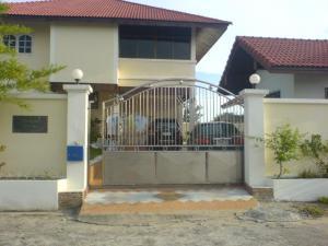 ขายบ้านสำโรง สมุทรปราการ : ขายบ้าน 143 ตรว. 2 หลังในรั้วเดียว ราคาถูก