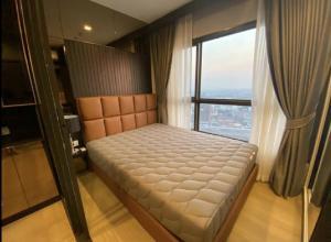For RentCondoRattanathibet, Sanambinna : New condo for rent, very high floor, overlooking the Chao Phraya River, beautiful, The Politan Aqua Condo, can carry a bag in.