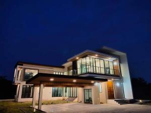ขายบ้านนครปฐม พุทธมณฑล ศาลายา : 📣𝙀𝙓𝘾𝙇𝙐𝙎𝙄𝙑𝙀📣 🏃🛍พลาดไม่ได้ !! 📌ช่วงpre-sale📌ราคาพิเศษช่วงนี้เท่านั้น📌ขายบ้านสร้างใหม่🎯ศาลายา 📍240 ตารางวา📍พื้นที่ใช้สอย 594.9 ตารางเมตร📍บ้านสร้างใหม่ มือ1 เน้นคุณภาพระดับ Hi-end ....✆℡: 096-9822394🆔 milin_milin.เสนอขายในราคา 23 ล้านบาทครับ 🏆รางวัลของความสำ