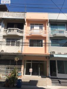 For SaleShophouseRamkhamhaeng,Min Buri, Romklao : Sale: 3-storey commercial building (Main), area 17 sq m. 🌈 Kesri Village 2, Ramkhamhaeng 124 Road