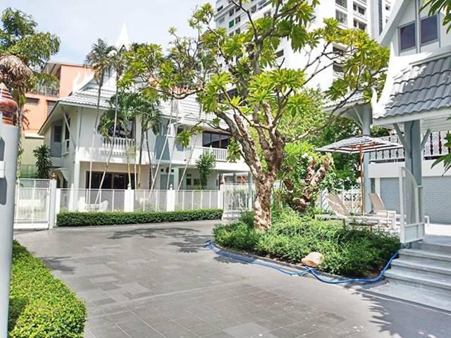 For RentHouseSathorn, Narathiwat : Pool Villa 2 Storey, A Unique Thai Style fully furnished (near BTS Surasak, Assumption College, Saint Louis Hospital)
