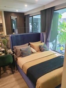 For RentCondoRama9, RCA, Petchaburi : express!! For rent, Ideo Mobi asoke Studio, beautiful room, fully furnished, garden view 15,000 baht.