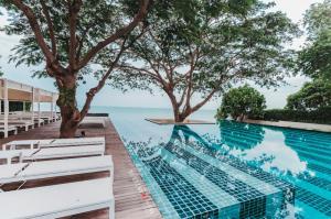 ขายคอนโดชะอำ เพชรบุรี : ขาย บ้านแสนคราม ที่พักติดทะเล หัวหิน แบบครอบครัว มีสระว่ายน้ำ 2 ห้องนอน ห้องใหญ่ กว้างขวาง
