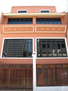 For RentHome OfficeNana, North Nana,Sukhumvit13, Soi Nana : HR638 For rent, 3-storey home office, area 40 sq m, Soi Sukhumvit 1, near BTS Nana