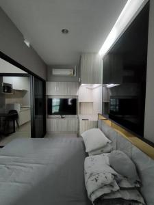เช่าคอนโดพระราม 9 เพชรบุรีตัดใหม่ : Rental : TC Green - Rama9