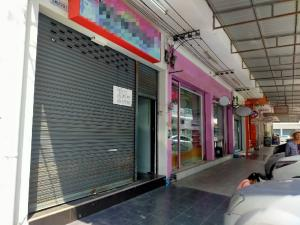 For RentShophouseVipawadee, Don Mueang, Lak Si : Commercial building 5 floors Don Muang area Near Vibhavadi Rangsit Road Easy to travel Next to the red train station for rent, contact 0952348443