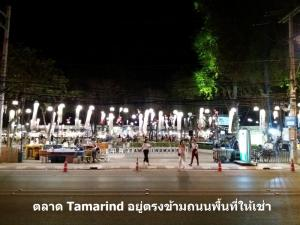For RentRetailHua Hin, Prachuap Khiri Khan, Pran Buri : Commercial Space for Rent, just across the road from the Tamarind Market