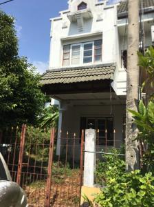 For SaleTownhouseRangsit, Patumtani : Townhome for sale Lally Ville - Joss Temi. (Lamlukka Klong 1) sold below market price Contact Cake 061-420-5229