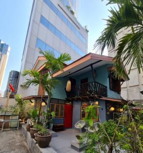 For RentHouseSilom, Saladaeng, Bangrak : For rent a beautiful house, newly decorated in boutique style on Silom 9